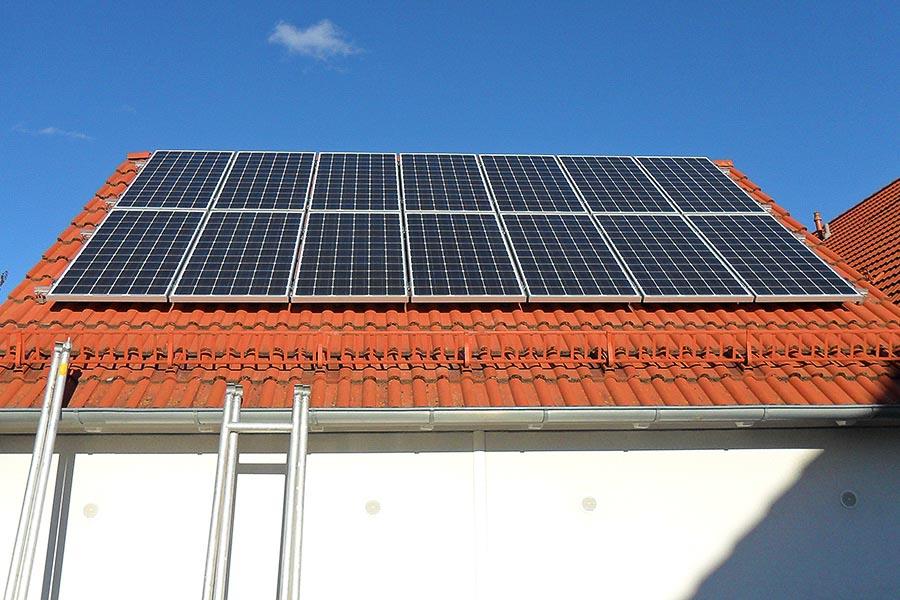 Photovoltaikanlage auf einem Garagendach
