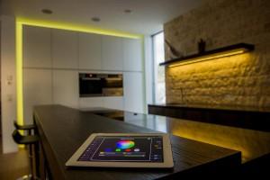 Tablet mit Lichtsteuerung - SmartHome